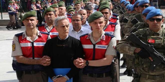 تركيا-محاكمة